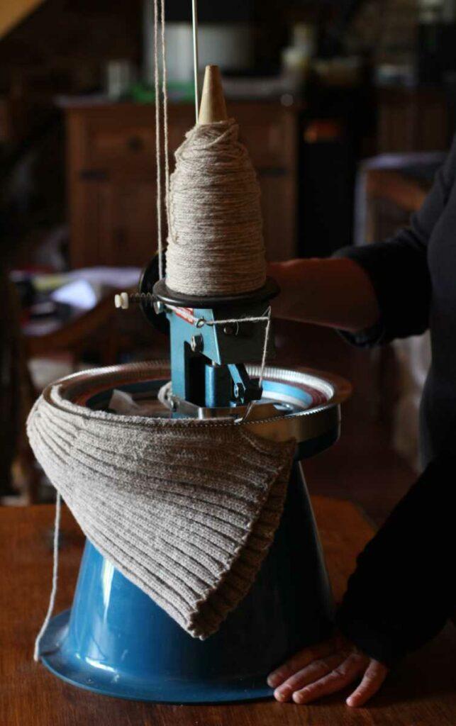 remailleuse pour assembler les ouvrages en laine